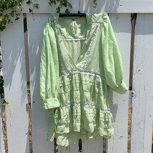 Lime green/white top